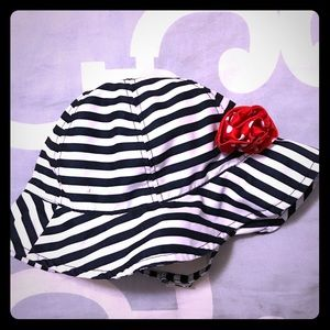 ❤️2-4T red, white & blue swim hat with strap!